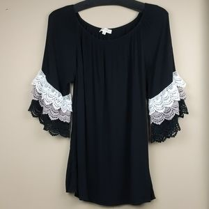 Umgee black top with lace sleeves